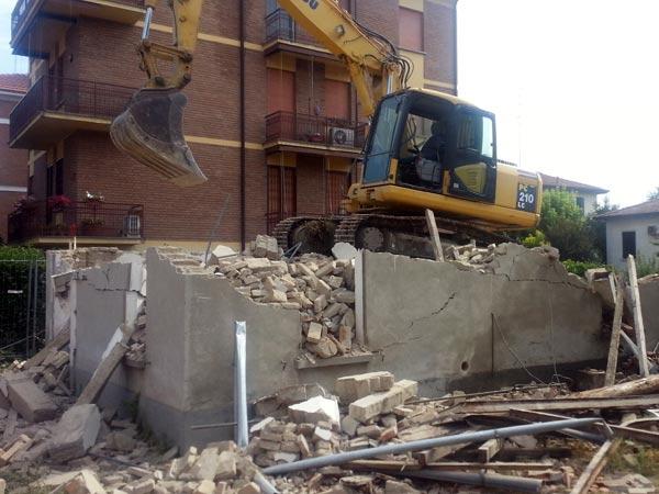 Demolizione-controllata-di-edifici-reggio-emilia