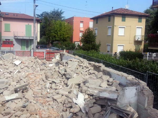 Demolizione-palazzi-industriali-reggio-emilia