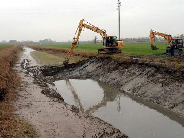 Fossi-per-irrigazione-e-drenaggio-reggio-emilia